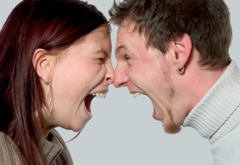 ¿Por qué gritamos cuando estamos enojados?
